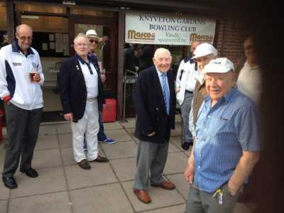 Arrival of Bill with Club Members 2016 - Knyveton Gardens Bowls Club